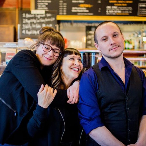 2. Alanna Dakin, Bella Krieger, Aron Murch in Red Brick Cafe. Photo By Britney Townsend Photography-bea182b6